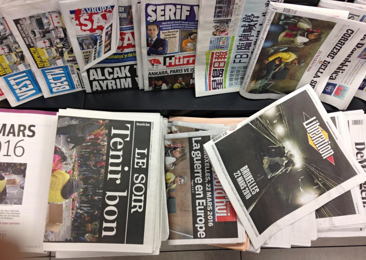 Belgické a zahraniční listy informují o útocích v Bruselu v březnu 2016