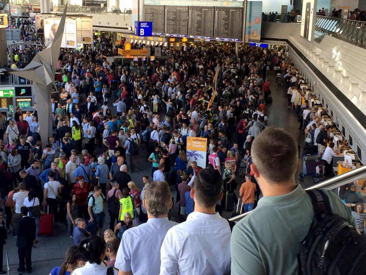 Evakuace frankfurtského letiště