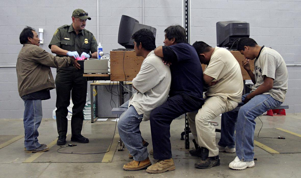 Kontrola mexických imigrantů