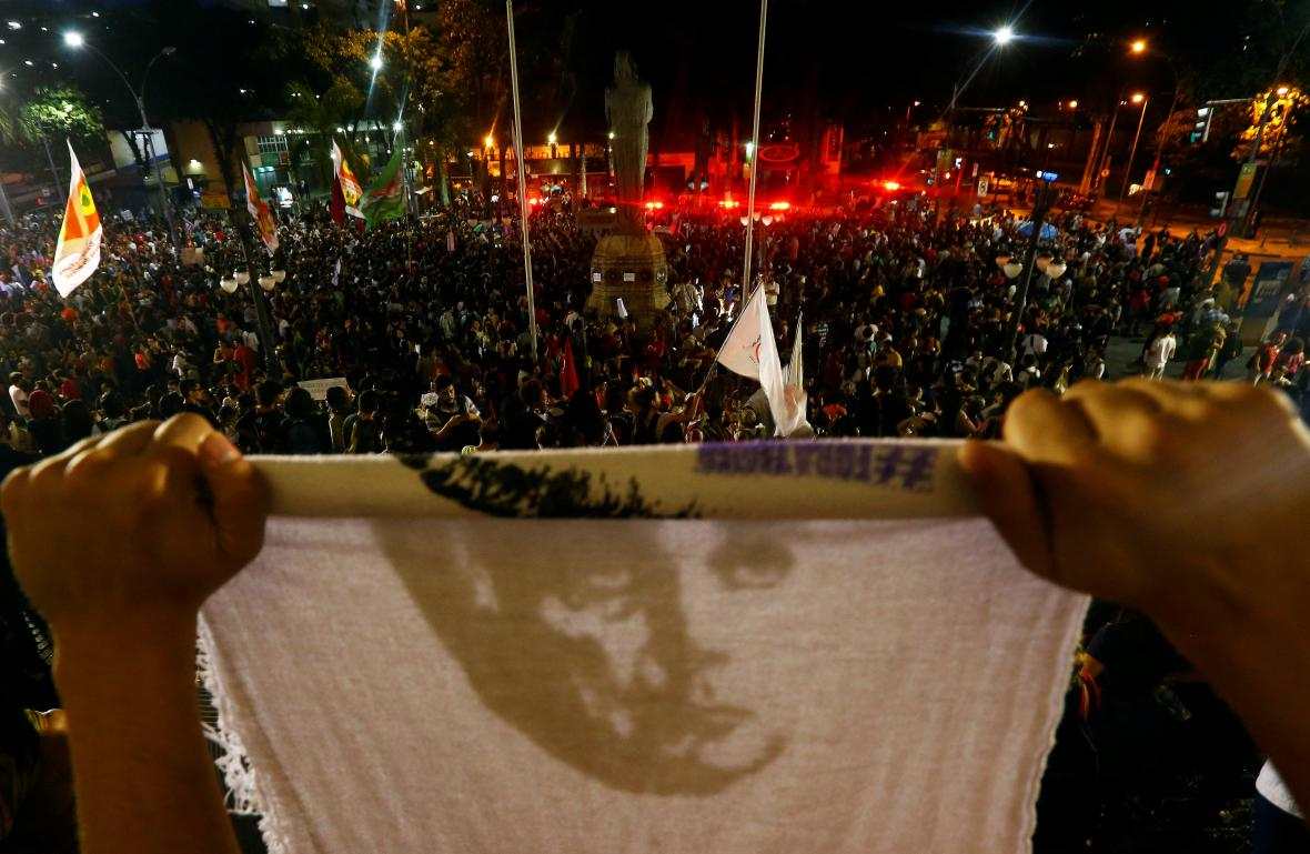 Protesty proti odvolání Rousseffové