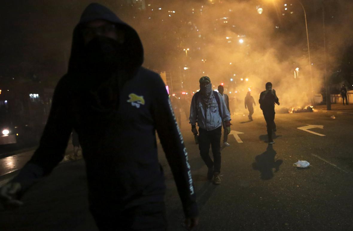 Násilnosti v ulicích po sesazení brazilské prezidentky