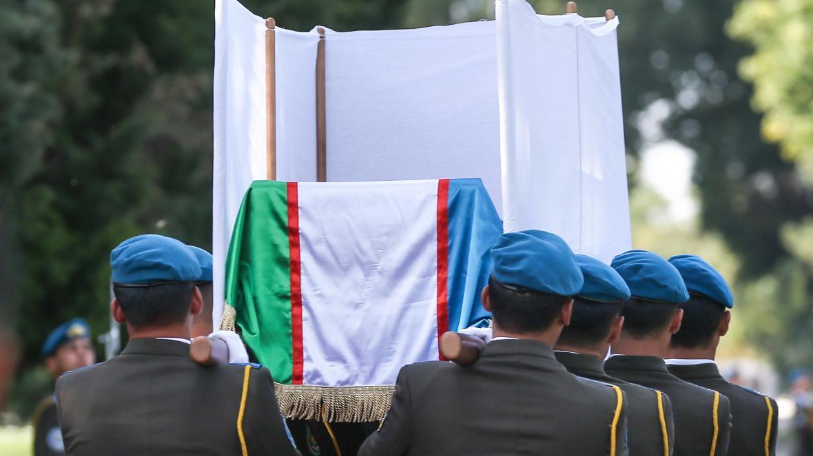 Uzbekistán pohřbívá prezidenta Islama Karimova