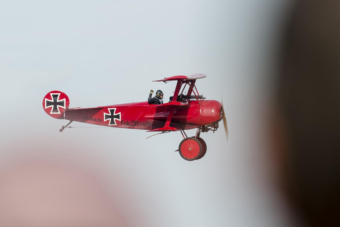 Fokker Dr.1 z českého letajícího cirkusu Kindernay's Flying Circus na letecké přehlídce CIAF 2016