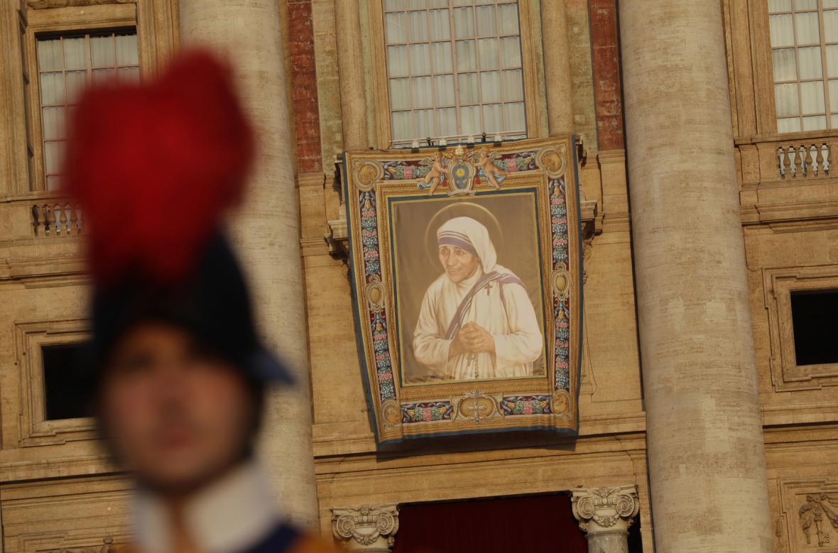 Papež svatořečil Matku Terezu