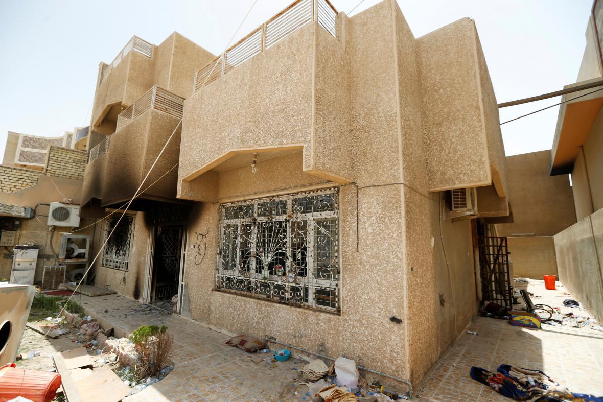Areál vyhořelé věznice Islámského státu ve Fallúdži