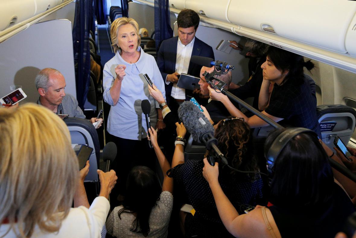 Hillary Clintonová na setkání s novináři