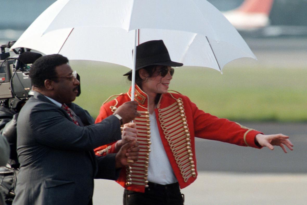 Michael Jackson na pražském letišti