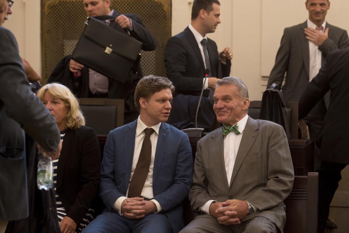 Bohuslav Svoboda a Tomáš Hudeček u soudu