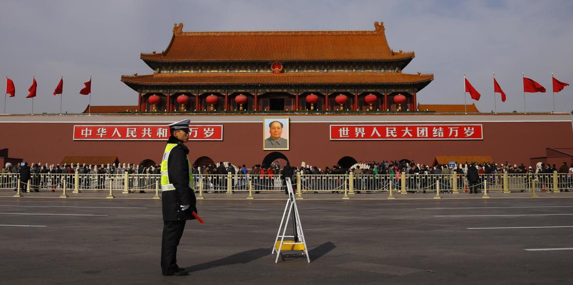 Dodnes se tvoří před Maovým mauzoleem nekonečné fronty