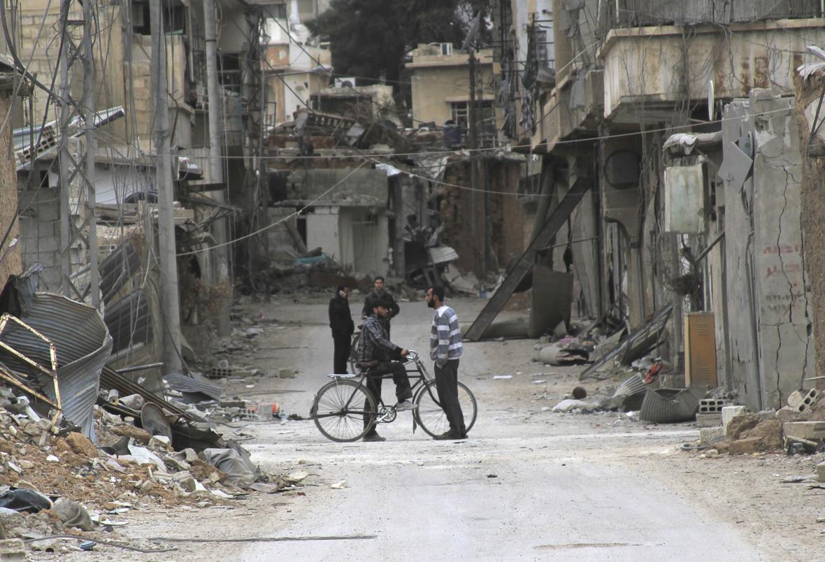 Následky bombardování v syrské Daráji
