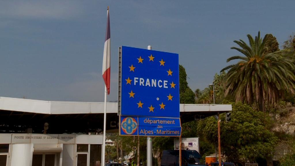 Hranice s Francií. Uprchlíci z Ventimiglie chtějí za ni