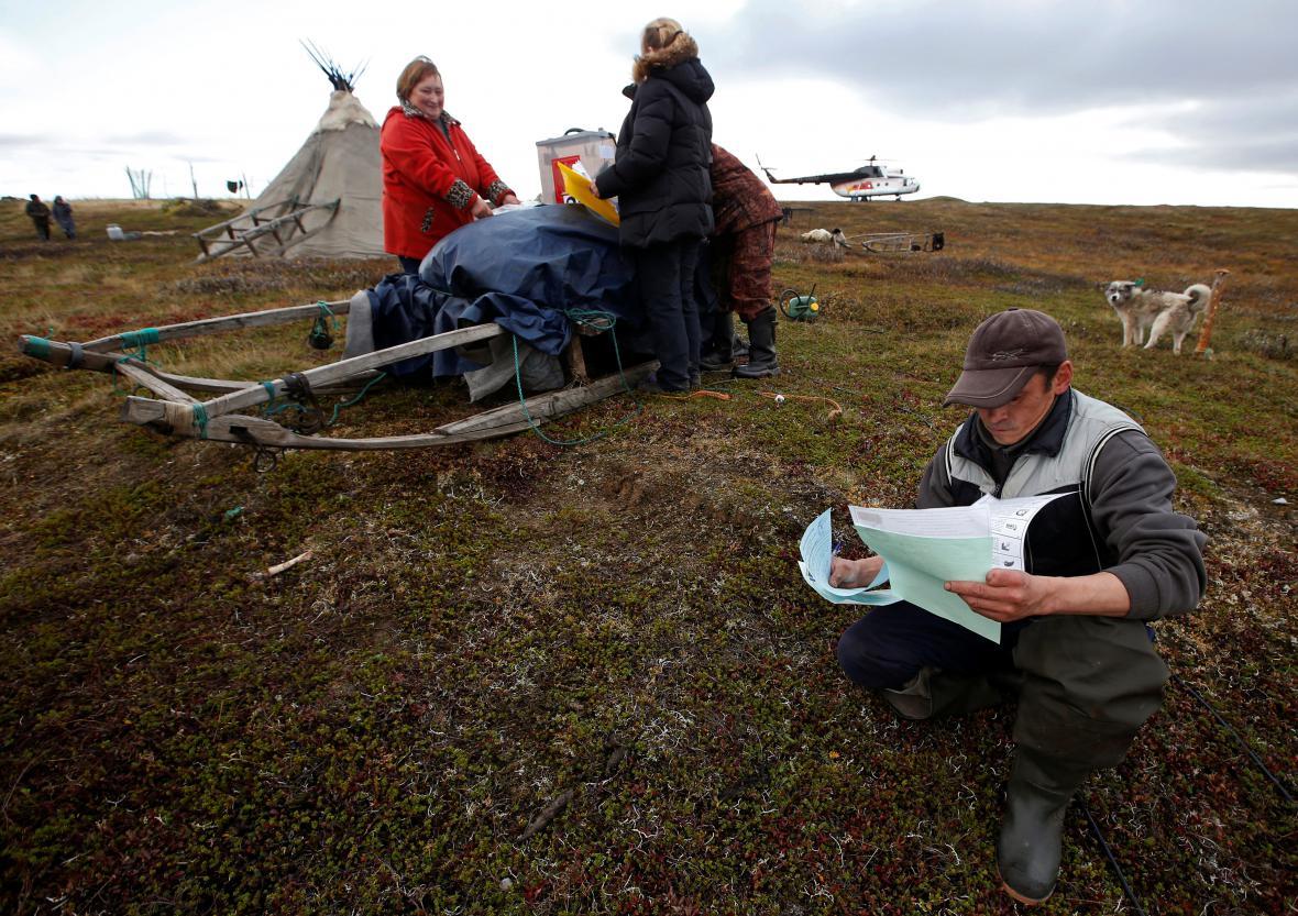Volby ve vzdáleném Něneckém autonomním okruhu u Barentsova moře. Tamní obyvatelé volili v předstihu