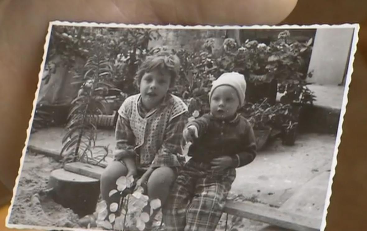 První osvojené děti manželů Flejberkových.