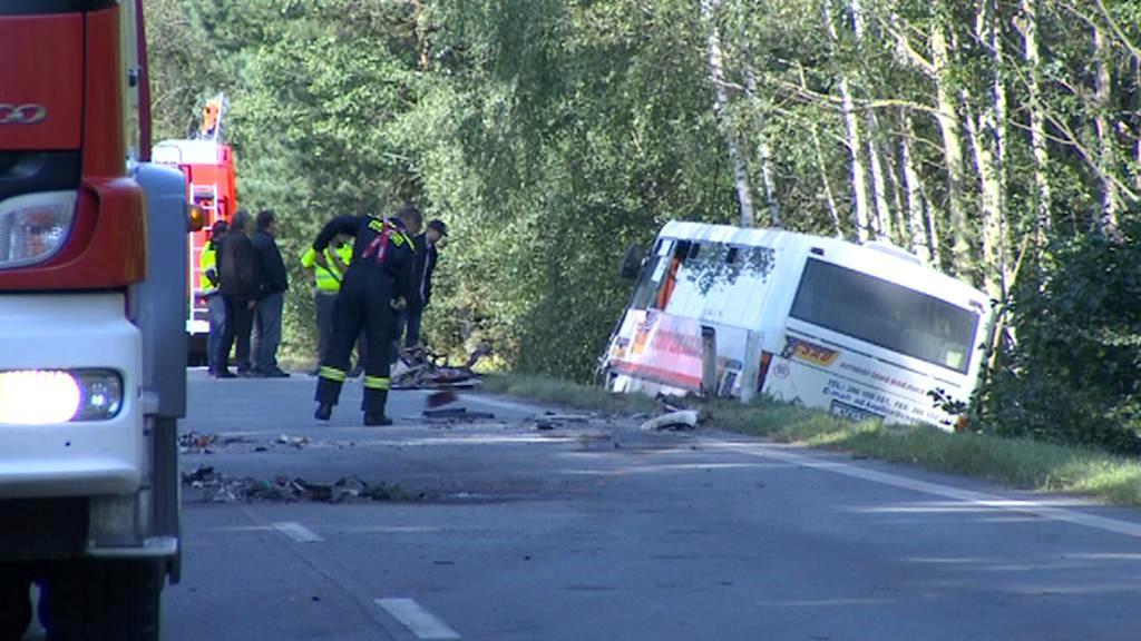 Nabouraný autobus
