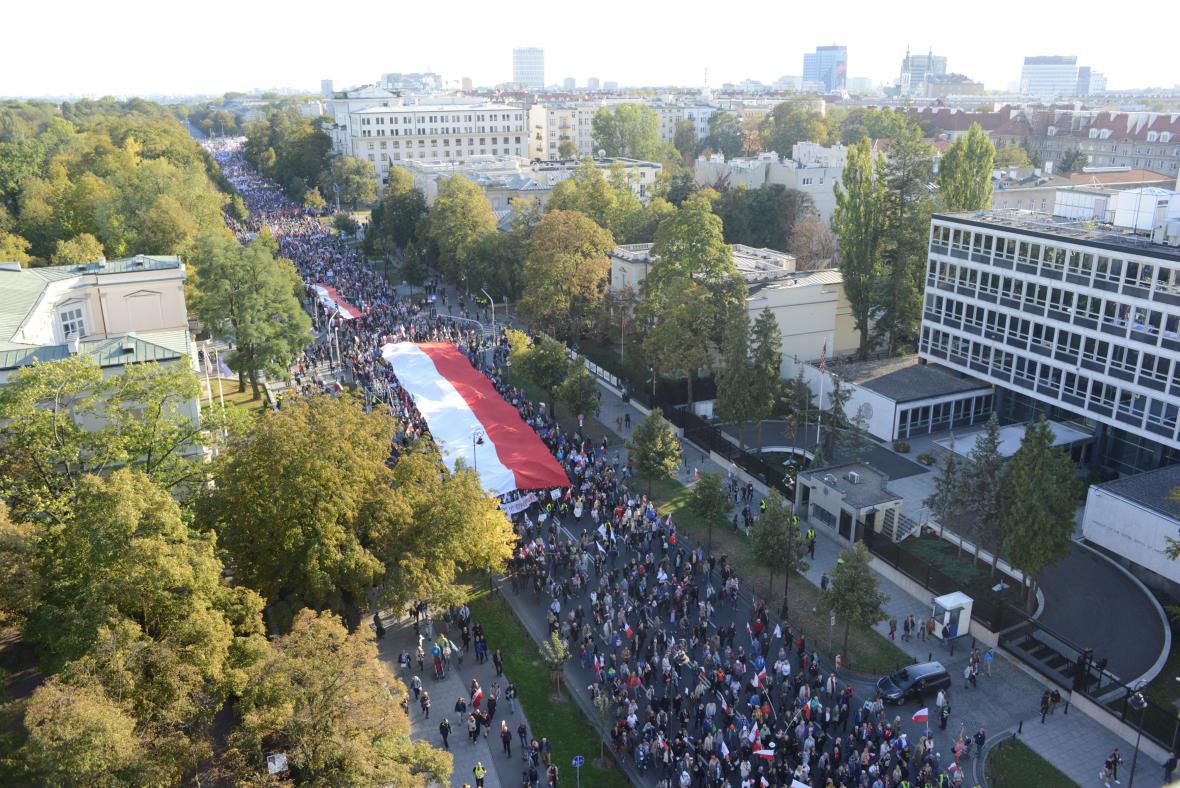 Protivládní protest ve Varšavě