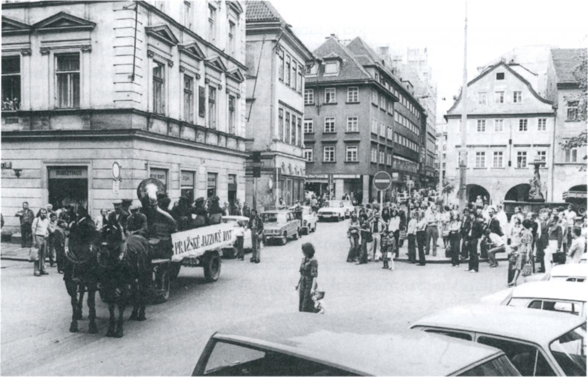 Z výstavy Složité hledání rovnováhy - Jazzová sekce, moderní umění a hudba v Československu