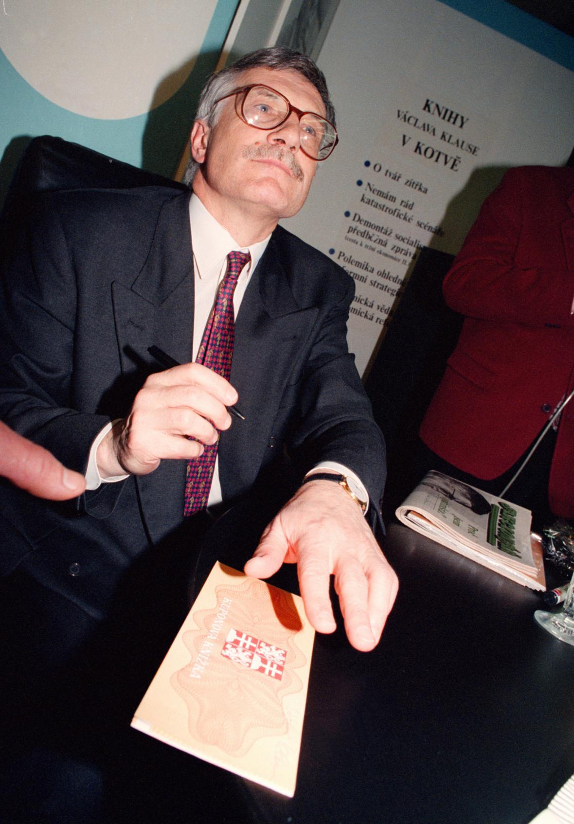 Autogramiáda Václava Klause
