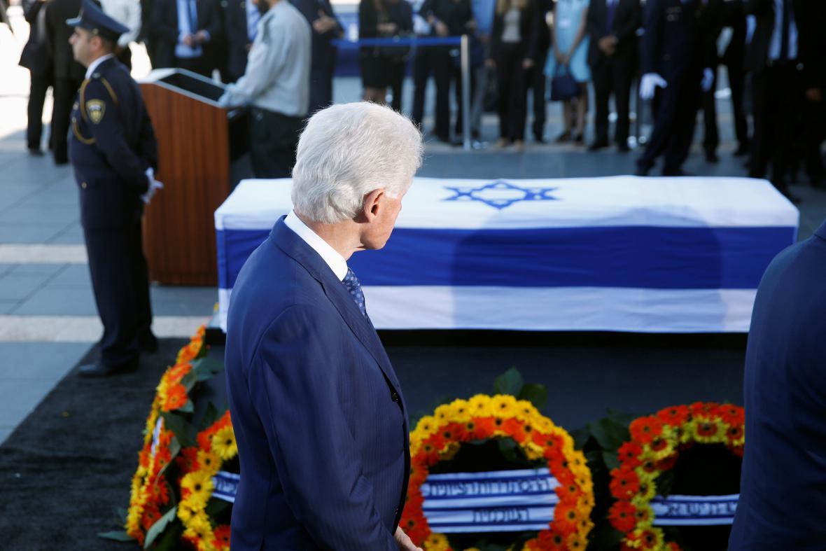 Bill Clinton u rakve Šimona Perese