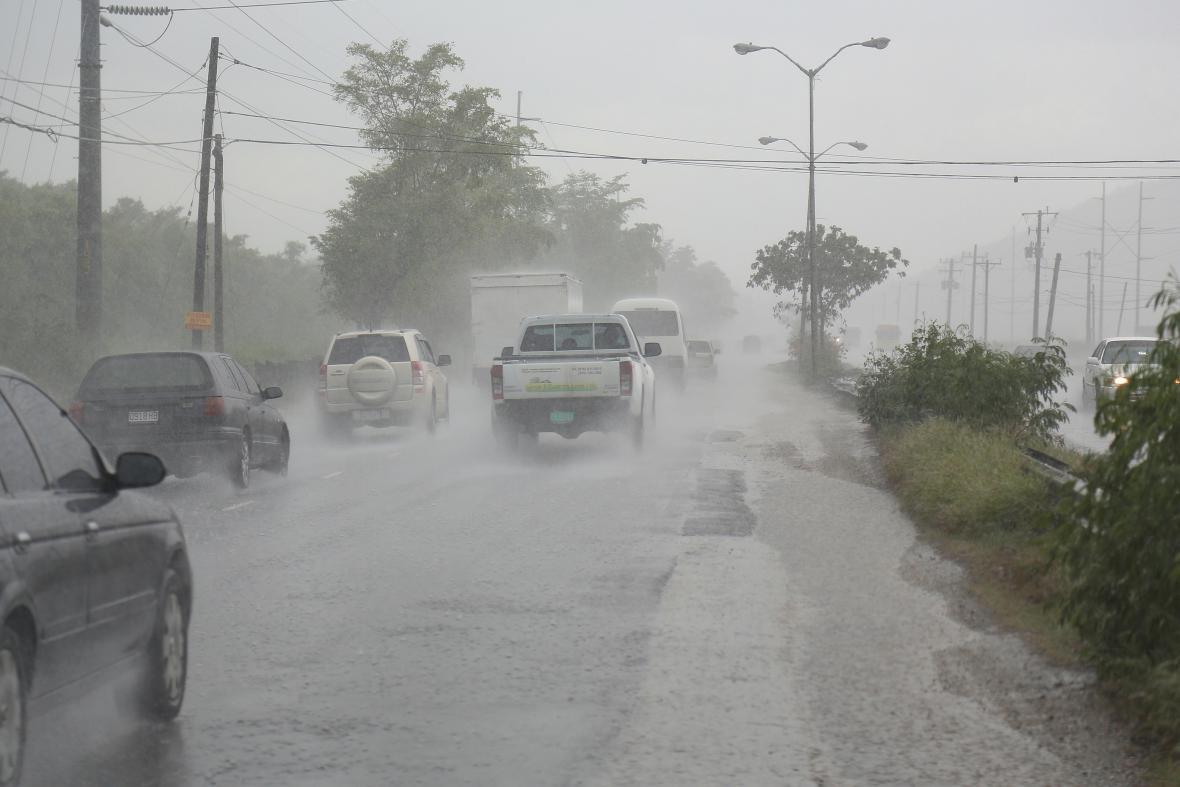 Přes Jamajku se přehnal silný déšť