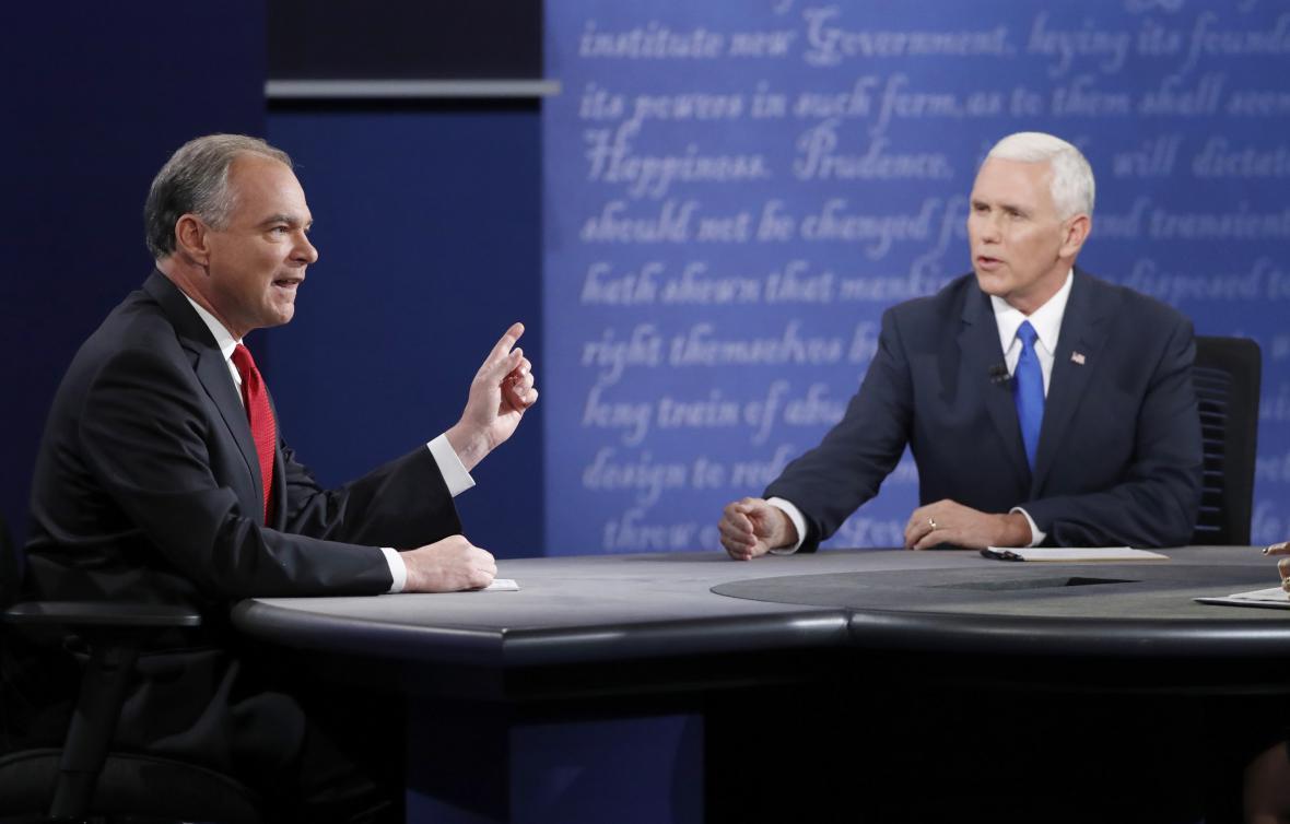 Debata kandidátů na viceprezidenta přinesla obhajobu lídrů i spory o daních či Sýrii