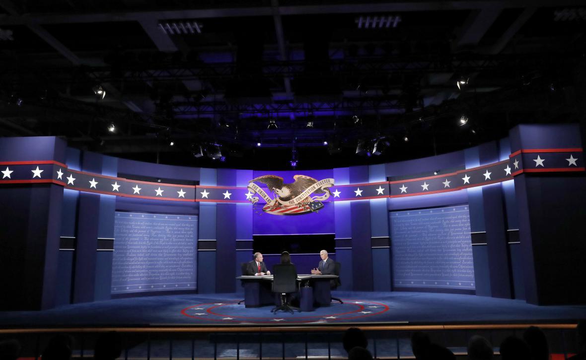 Televizní debata Tima Kaina a Mika Pence