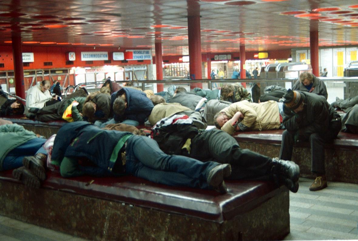 Bezdomovci na hlavním nádraží