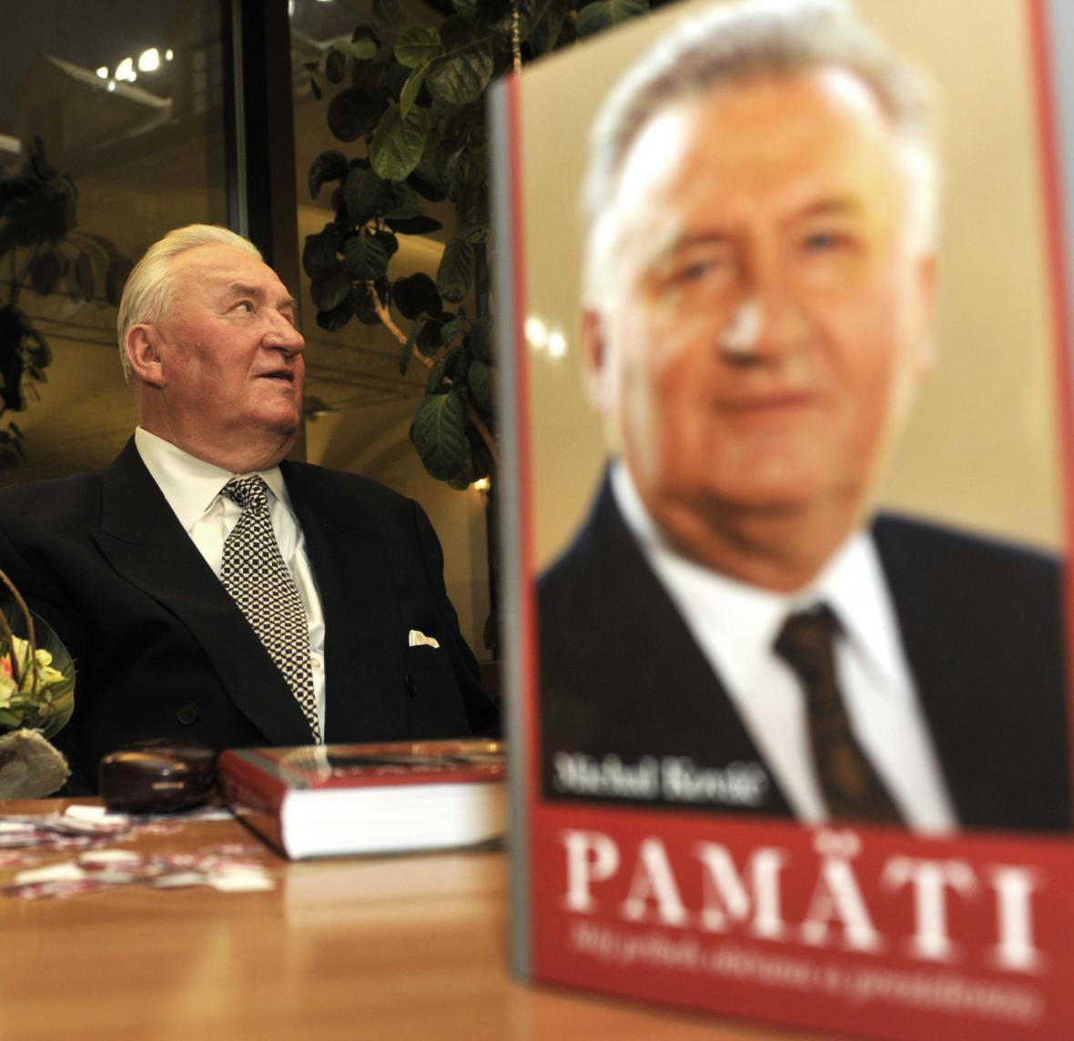 Kováč představil 16. prosince 2010 v Bratislavě svou knížku Paměti s podtitulem Můj příběh občana a prezidenta