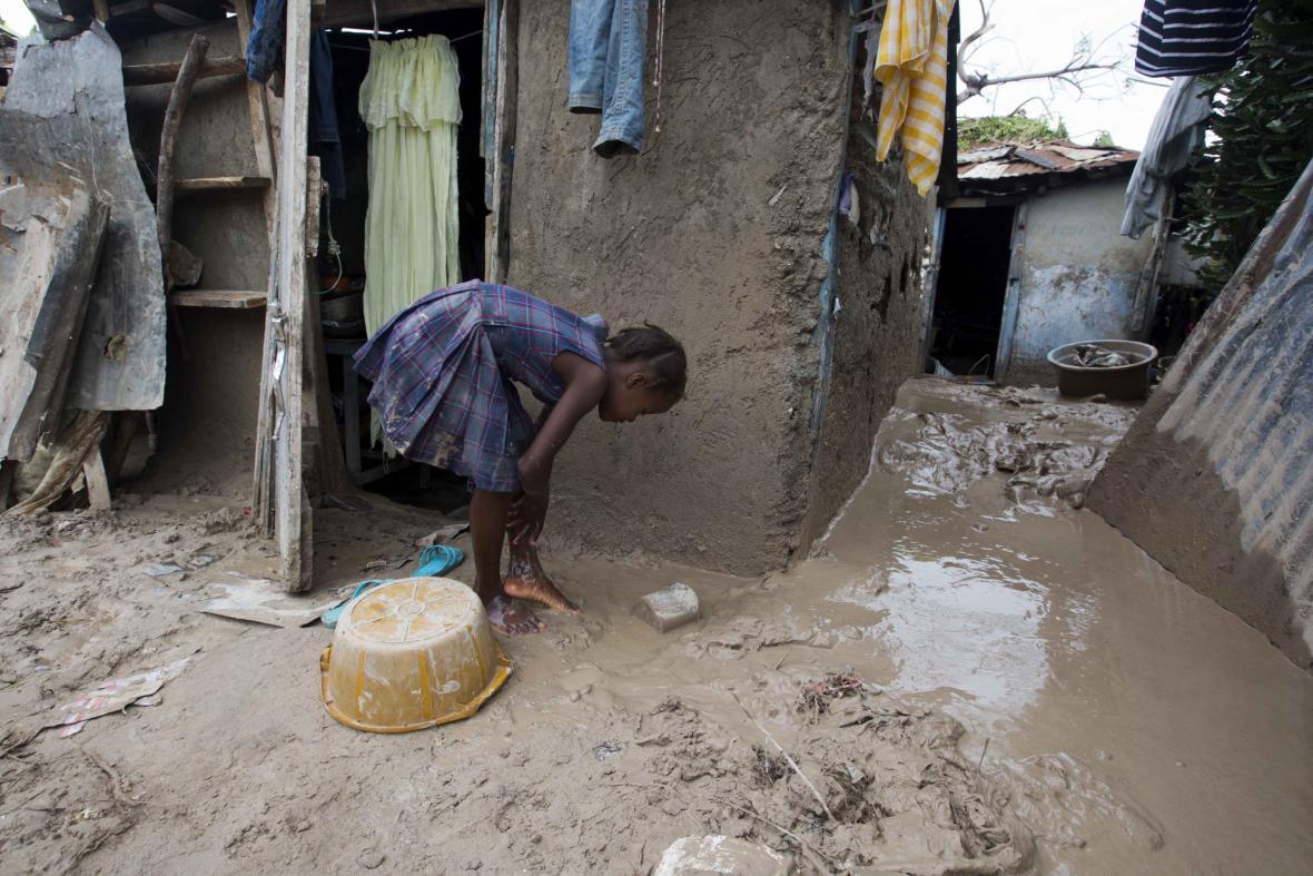Na Haiti začínají likvidovat škody po hurikánu