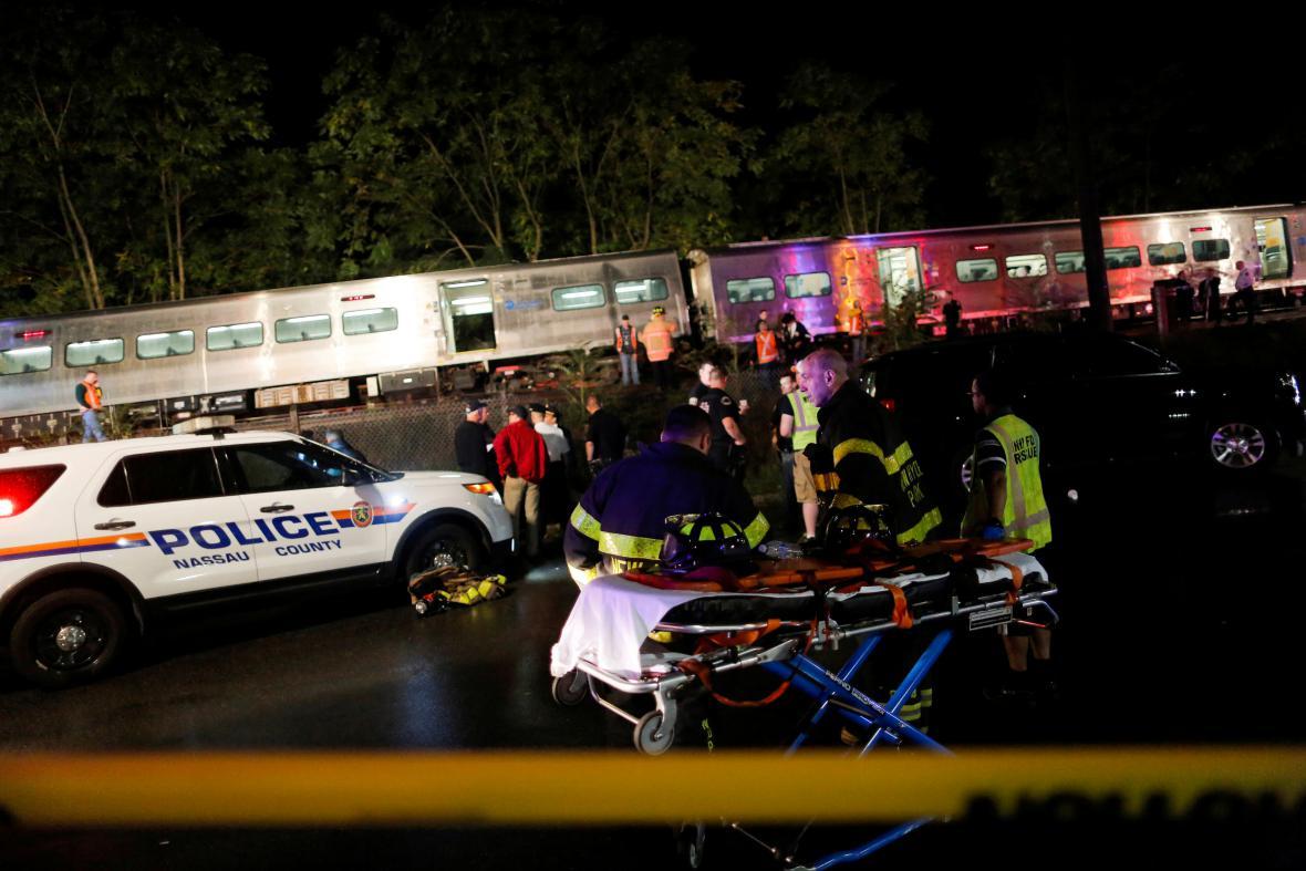 Vlaková nehoda na Long Islandu ve státě New York