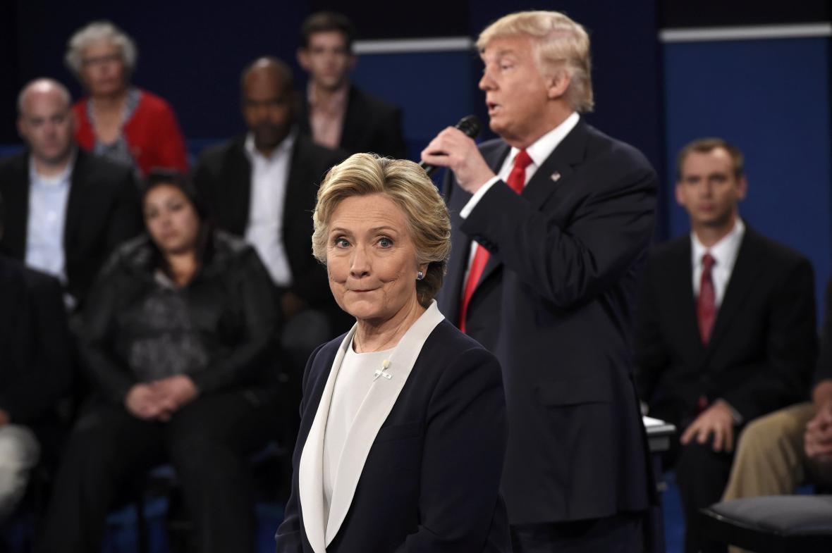 Televizní střet Trumpa s Clintonovou