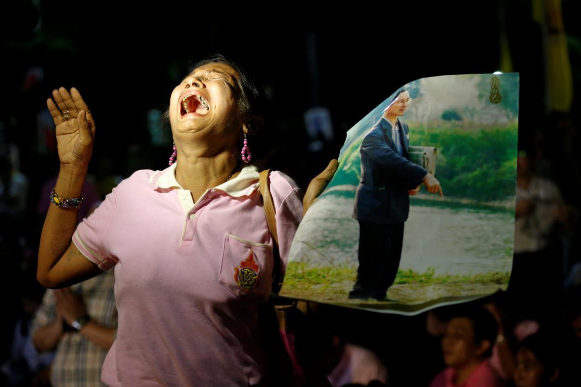 Thajci truchlí pro svého krále