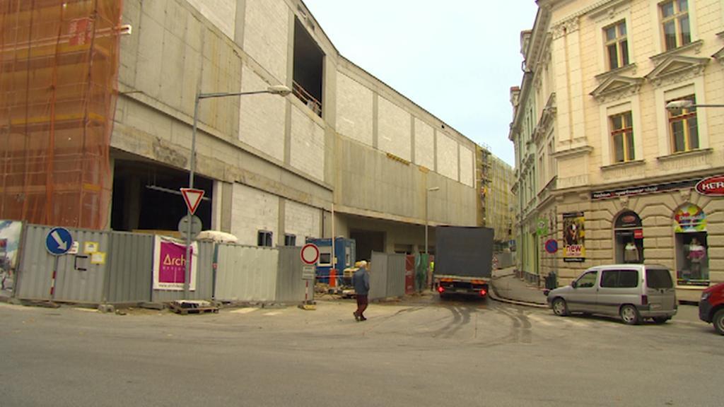 Stavba obchodního centra v Jablonci