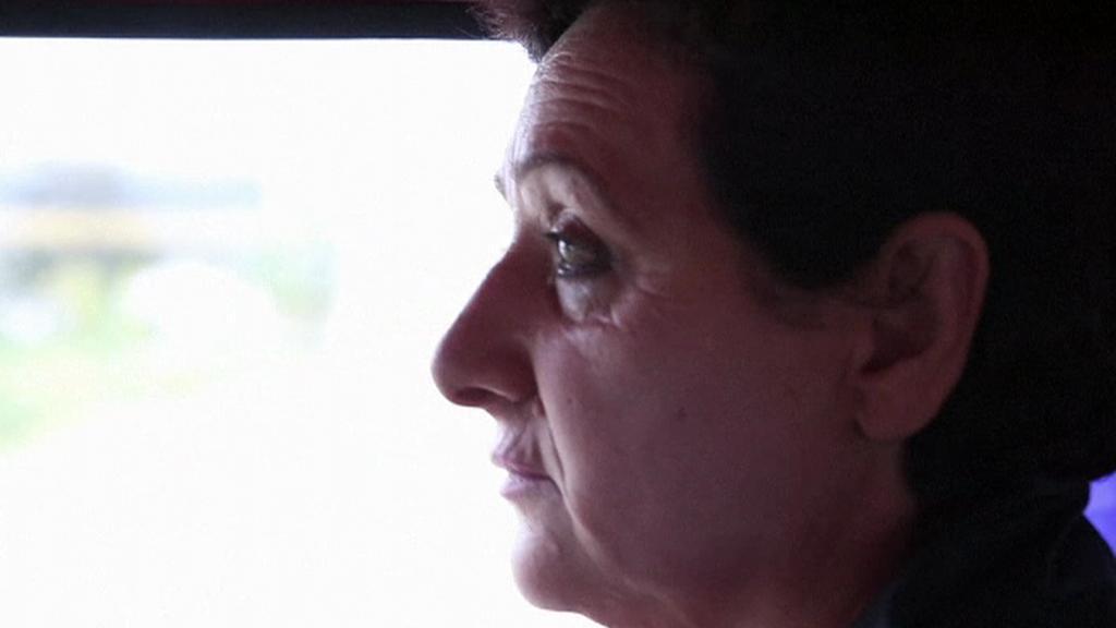 Učitelka Liljana Luaniová vyjíždí k vyučování dětských obětí