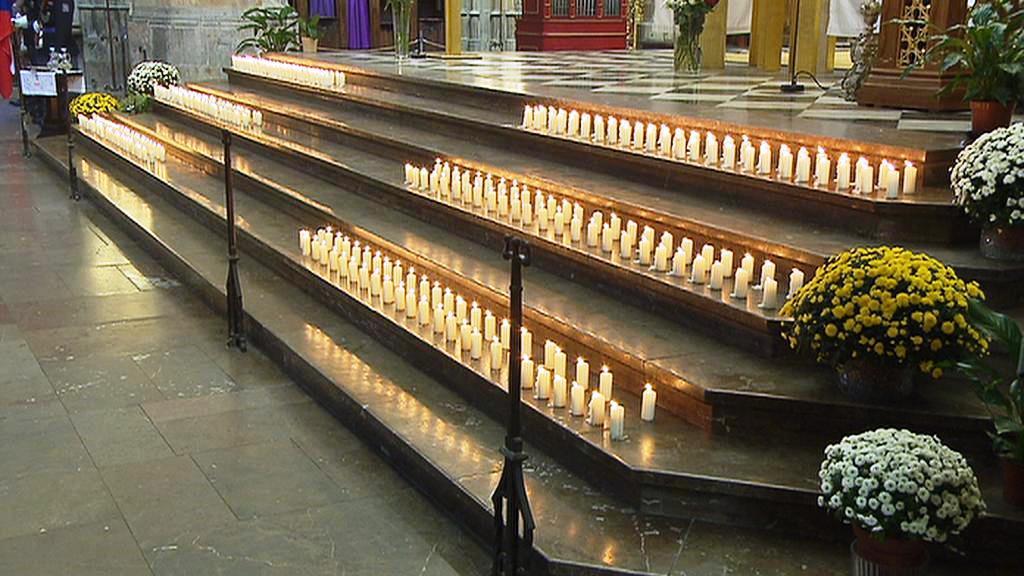 294 svící v katedrále sv. Víta za oběti heydrichiády