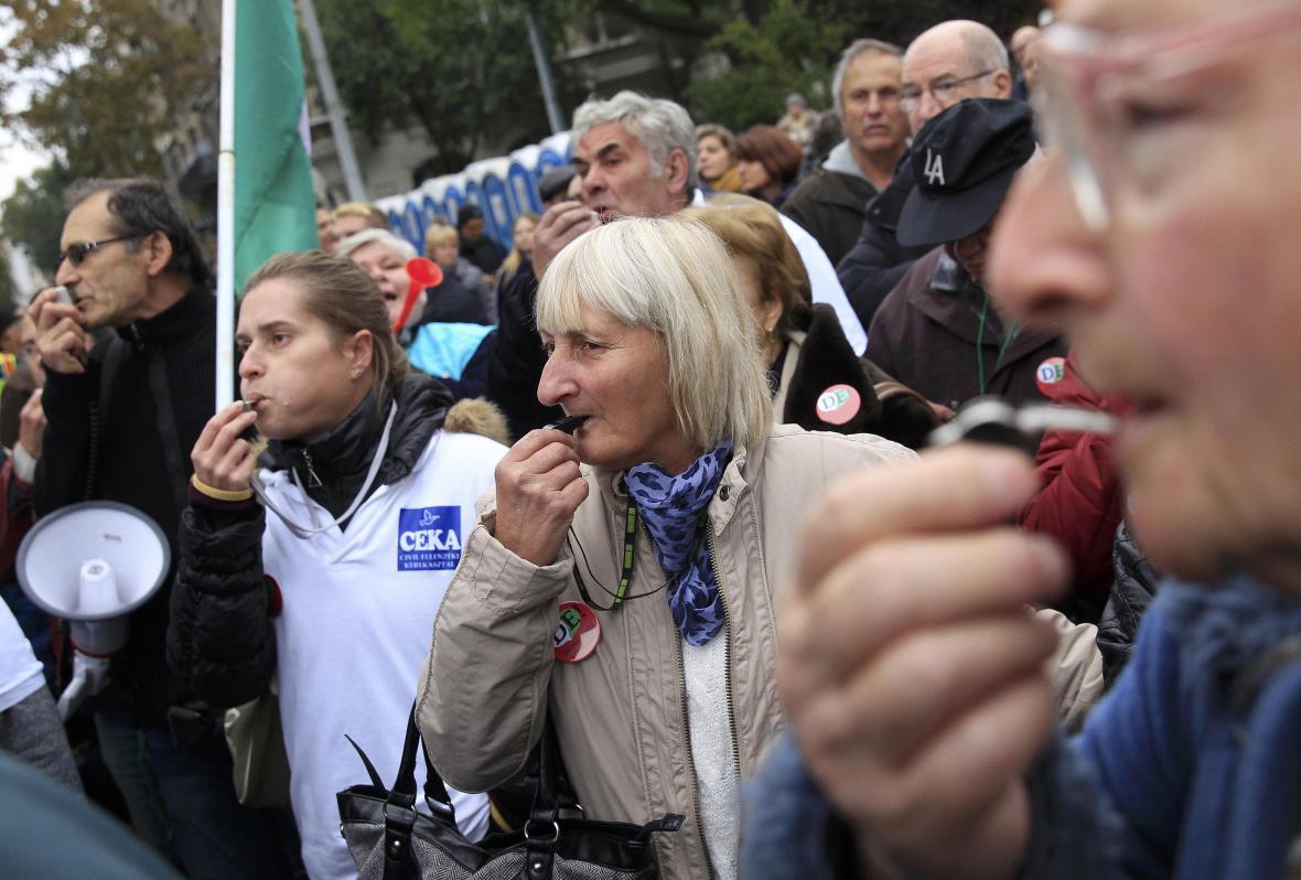 Protivládní protest v den 60. výročí maďarského povstání