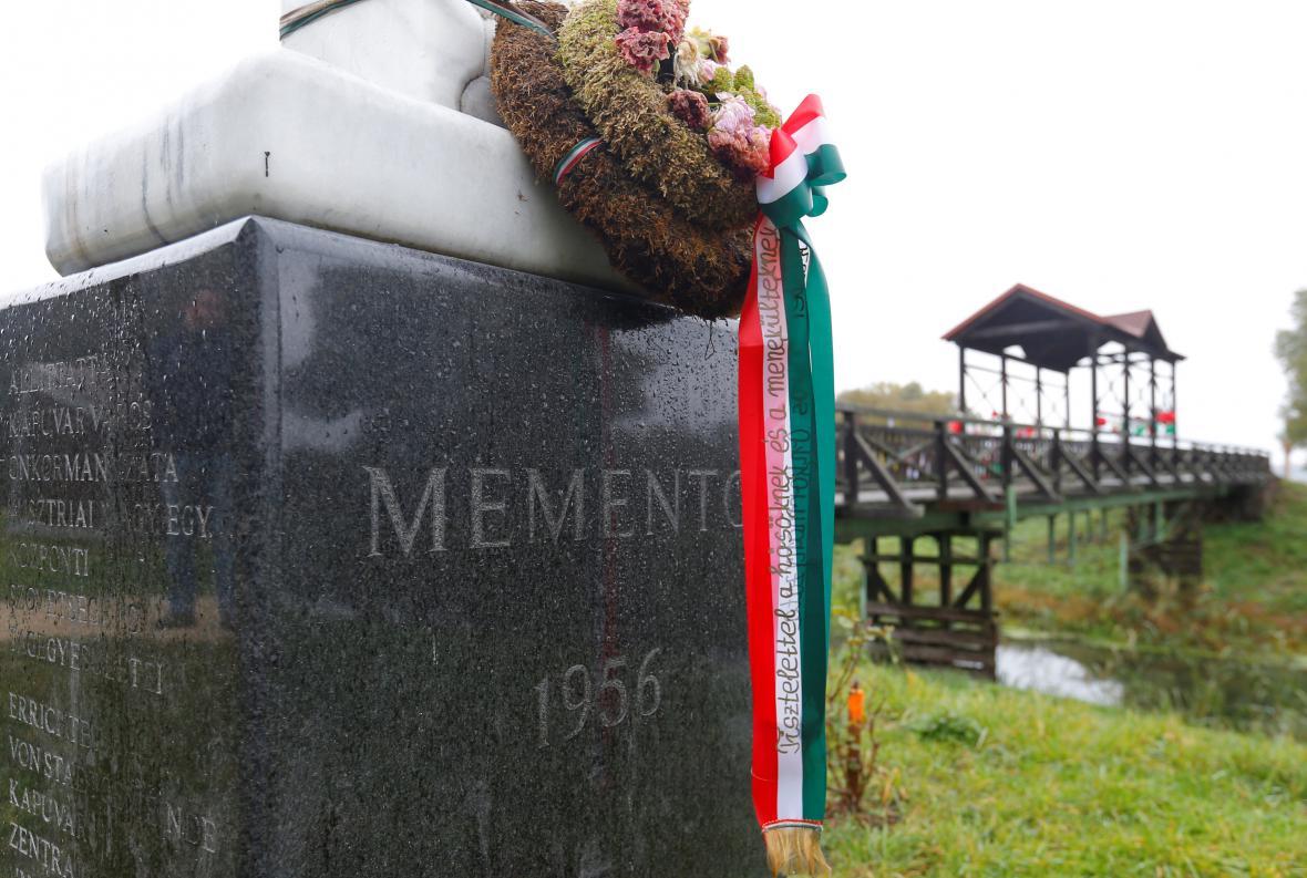 Památník na maďarsko-rakouské hranici