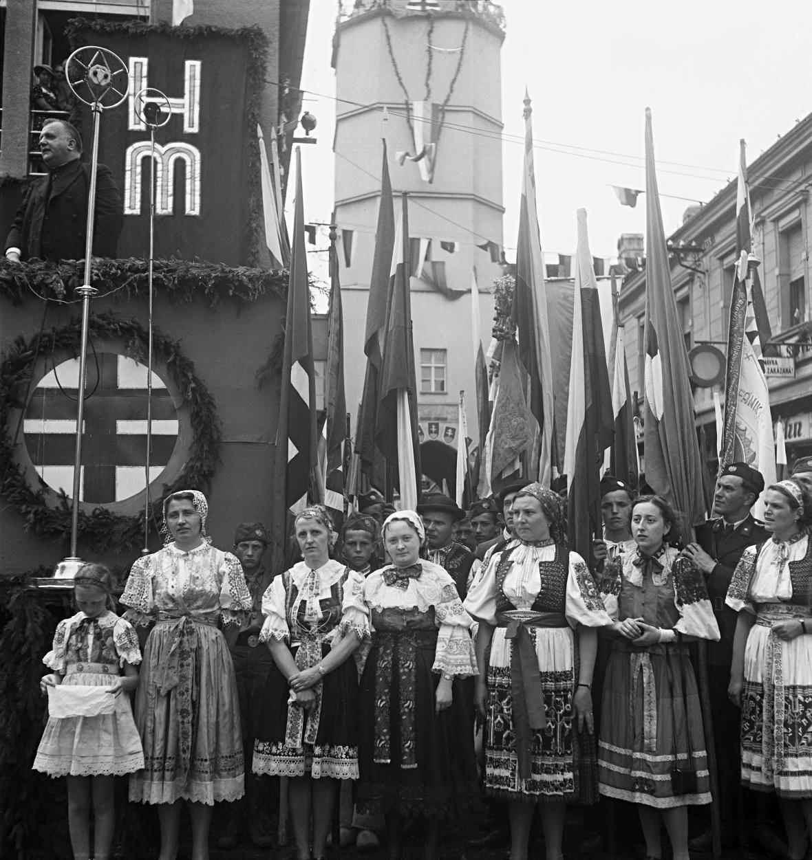 Z přehlídky Hlinkovy mládeže v Trenčíně, projev Jozefa Tisa, 1939