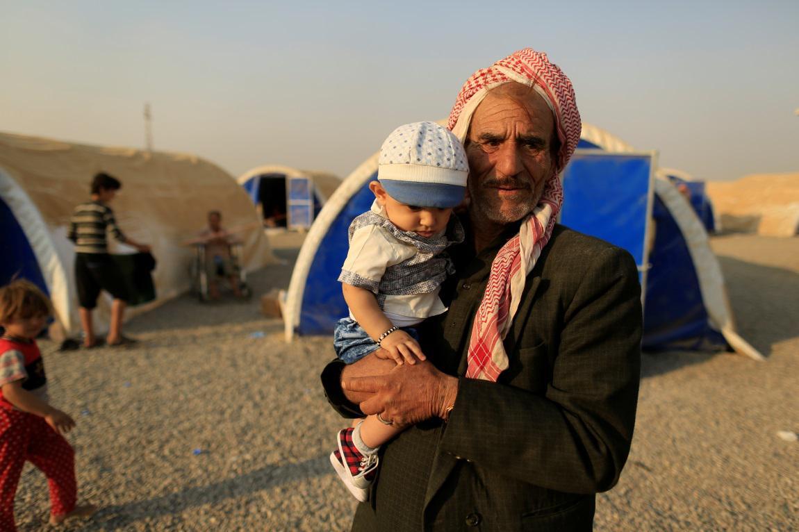 Uprchlíci v táboře Chazar východně od Mosulu