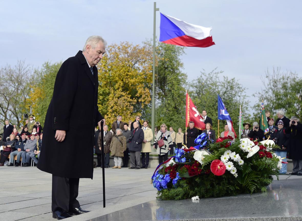 Prezident Miloš Zeman u památníku na Vítkově