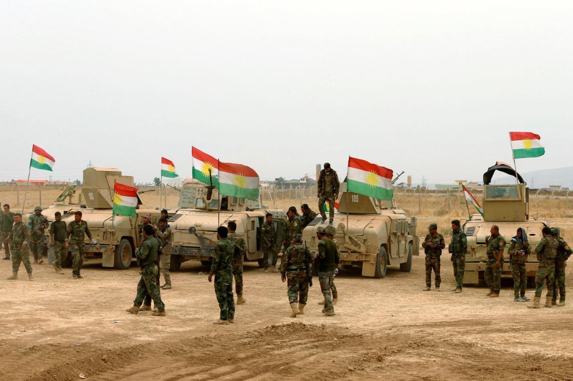 Kurdští pešmergové blízko města Bašika