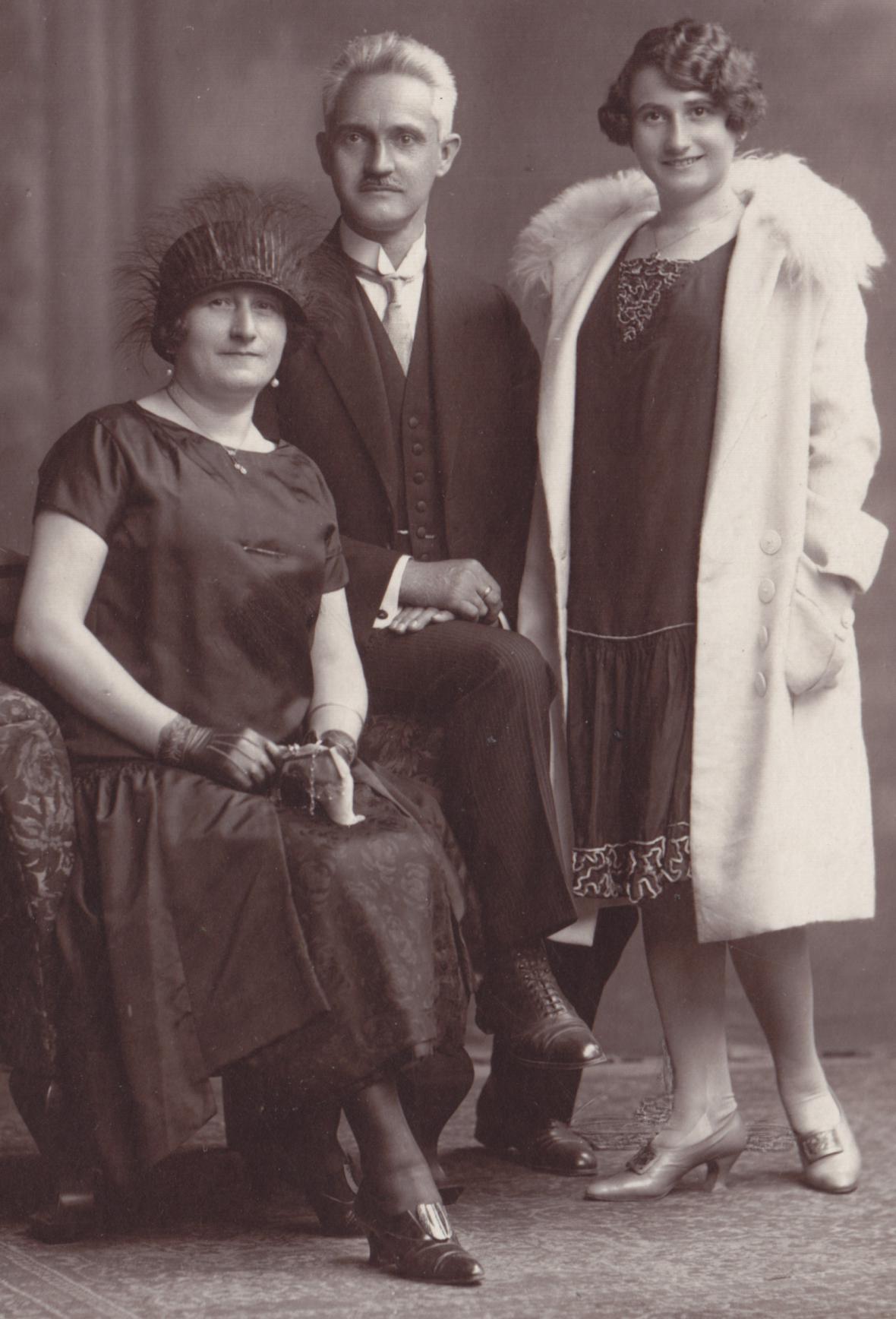 Sonnevendovi s dcerou - popraveni za pomoc parašutisům