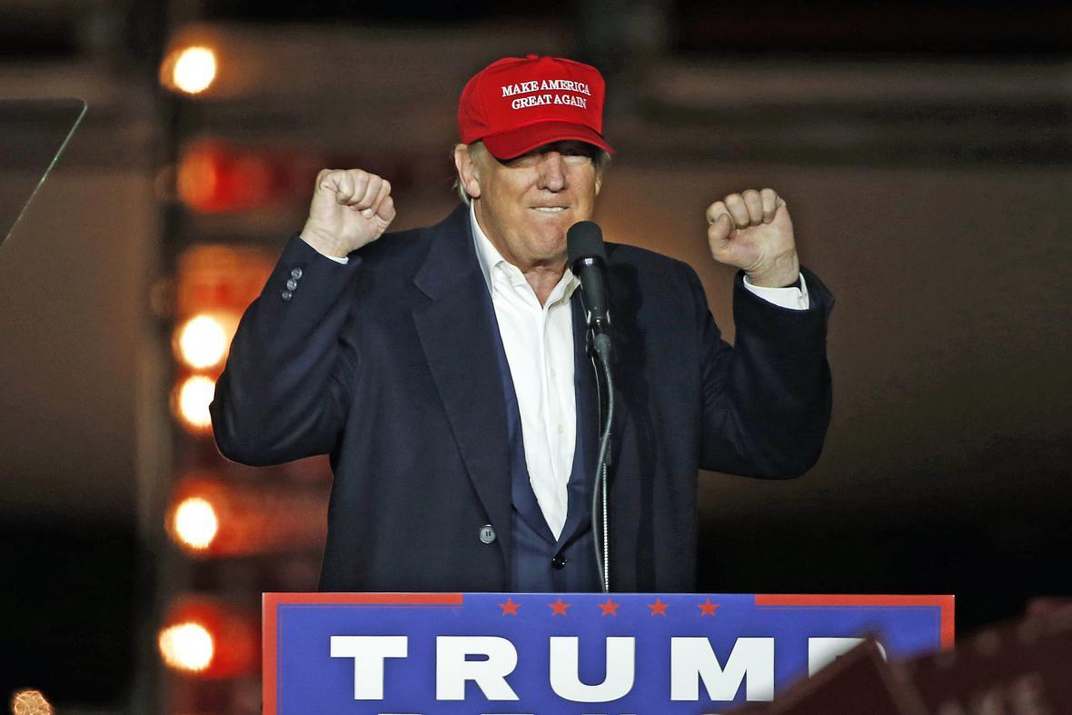 Donald Trump na předvolebním mítinku v Pittsburghu, ve státu Pensylvánie
