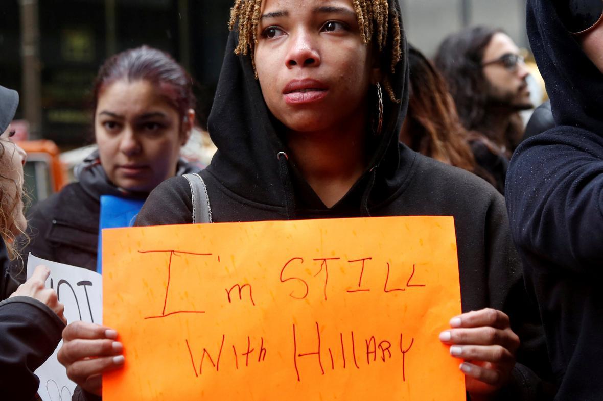 Zhrzení stoupenci Hillary