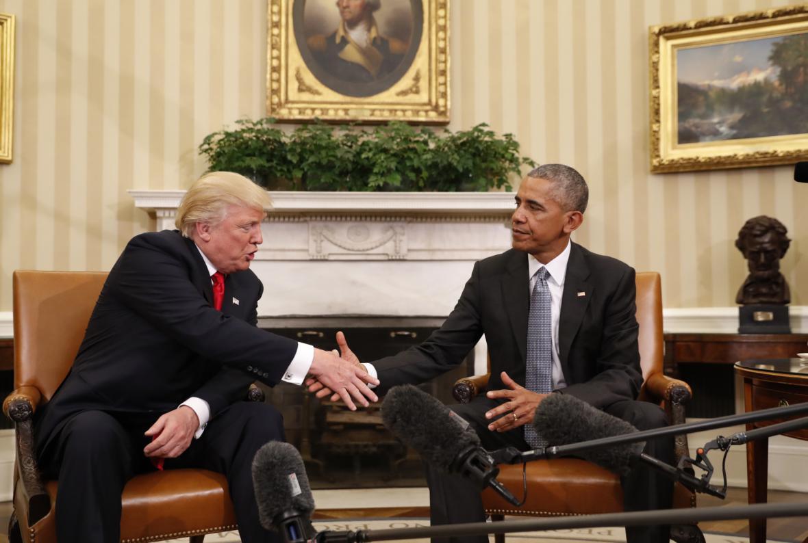 Donald Trump a Barack Obama po společném jednání
