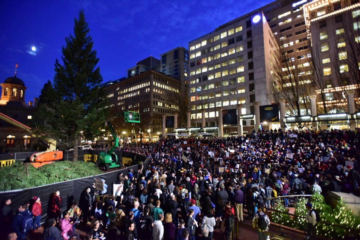 Demonstrace proti Donaldu Trumpovi v oregonském Portlandu