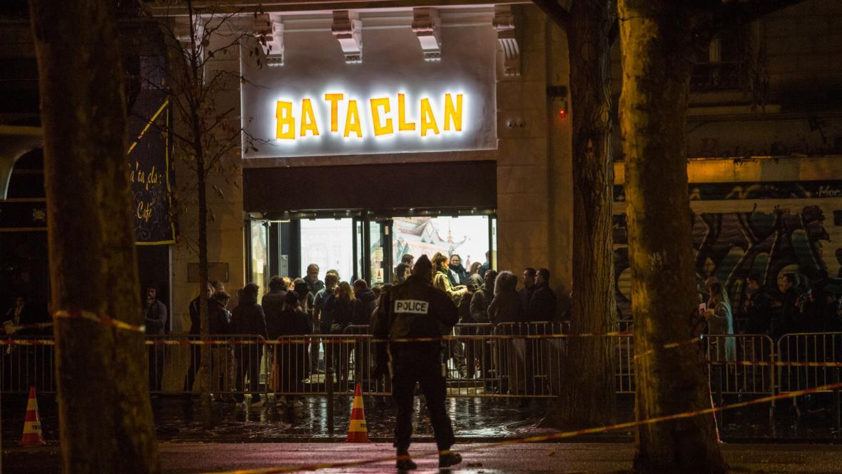 Znovuotevření Bataclanu doprovodilo vystoupení Stinga