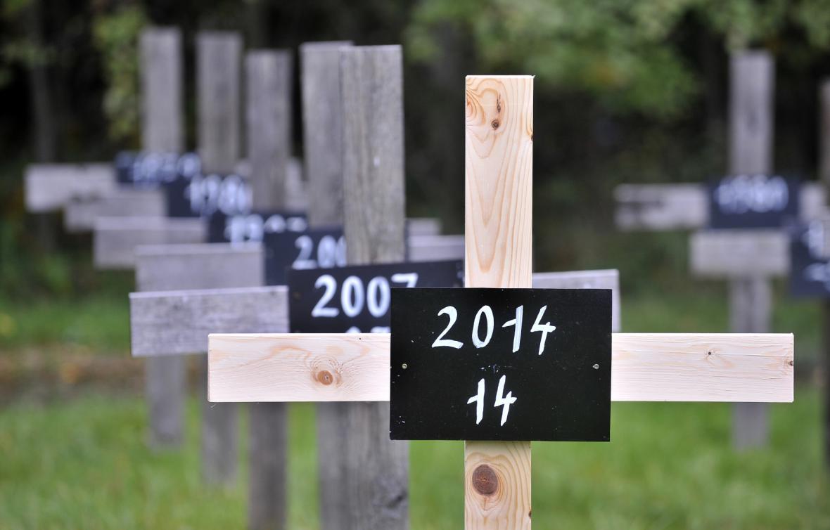 Symbolický hřbitov obětí dopravních nehod
