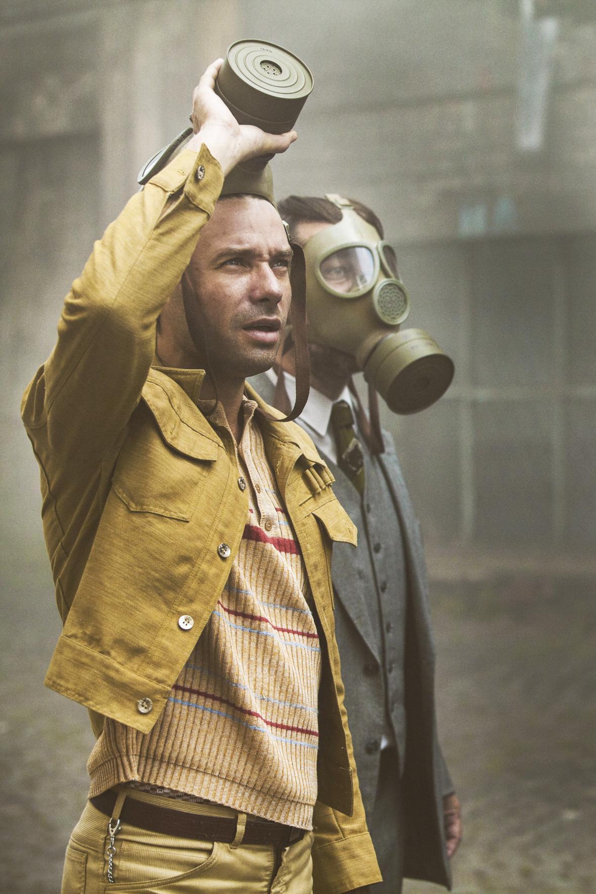 Václav Neužil jako Filip Marvan v sérii Svět pod hlavou