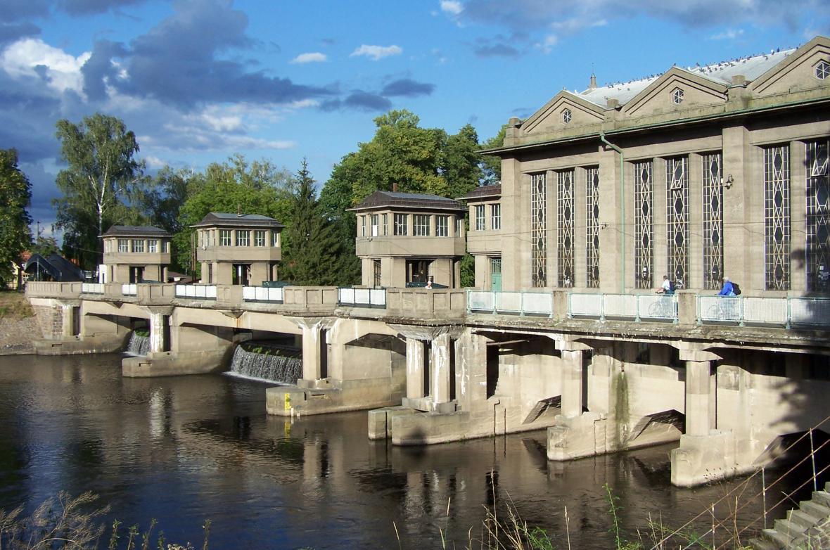 Zdymadlo a vodní elektrárna v Poděbradech