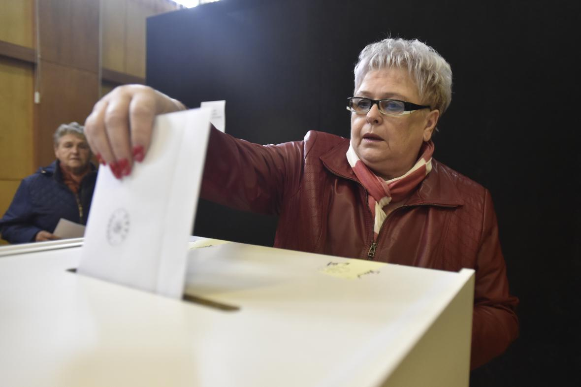Obyvatelé Podolí odmítli v referendum prodej sporného pozemku